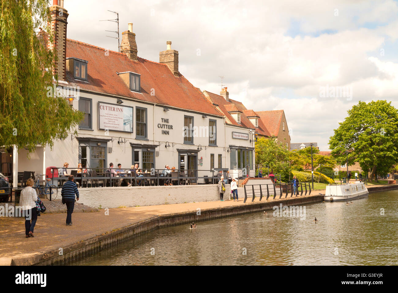 The Cutter Inn, a popular pub restaurant on the banks of the Great Ouse river, Ely city centre, Ely, Cambridgeshire - Stock Image