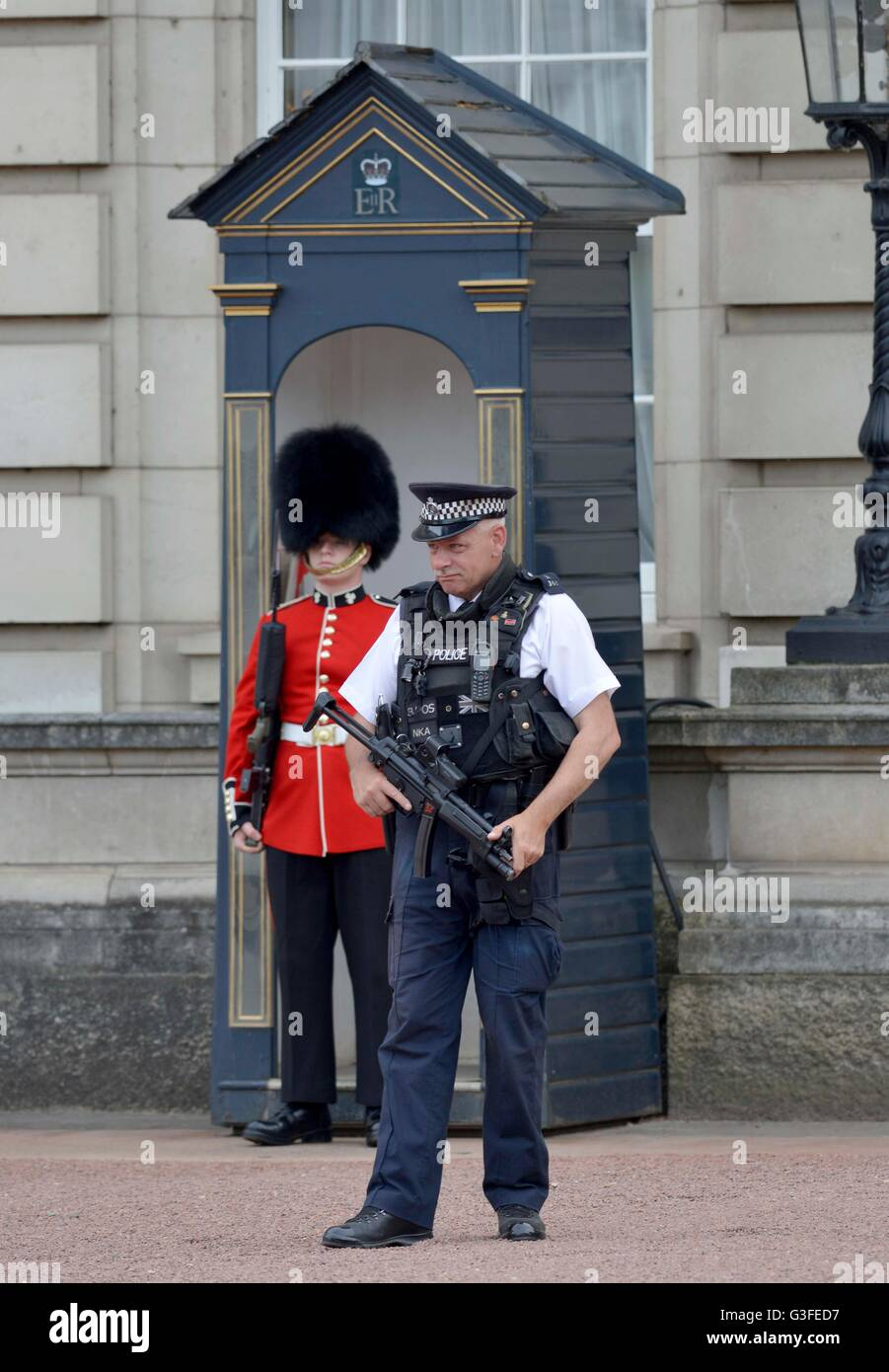Security Guard Uk High Resolution Stock Photography and Images - Alamy