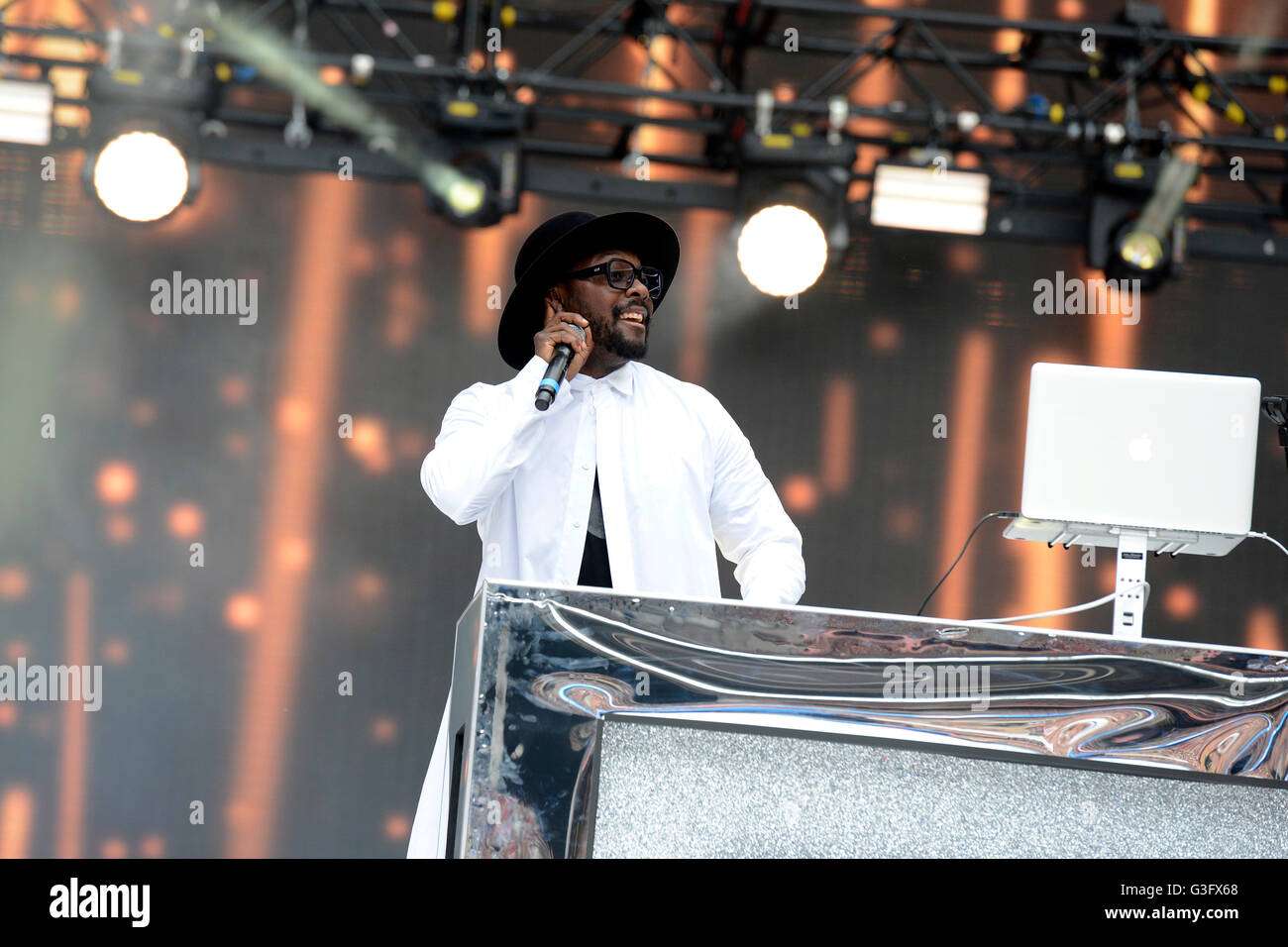 Will.I.am performing at Capital FM's Summertime Ball with Vodafone held at Wembley Stadium, London. - Stock Image