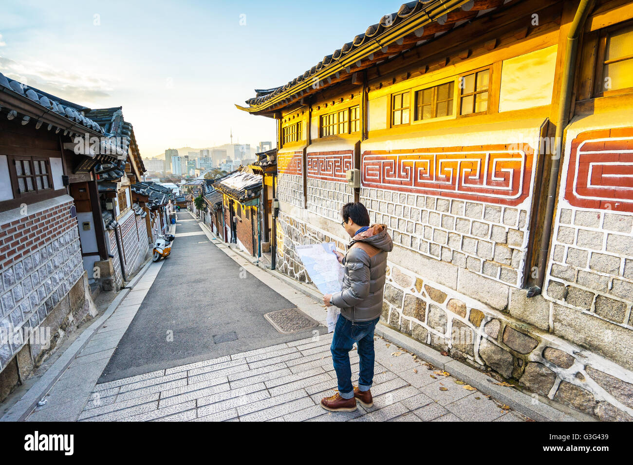 The Traveler at Bukchon Hanok Village in Seoul, South Korea. - Stock Image