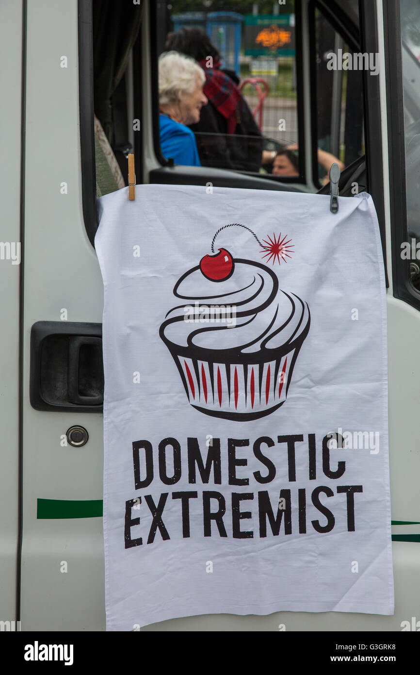 Burghfield, UK. 11th June, 2016. A 'Domestic Extremist' tea towel hanging from a vehicle outside AWE Burghfield - Stock Image