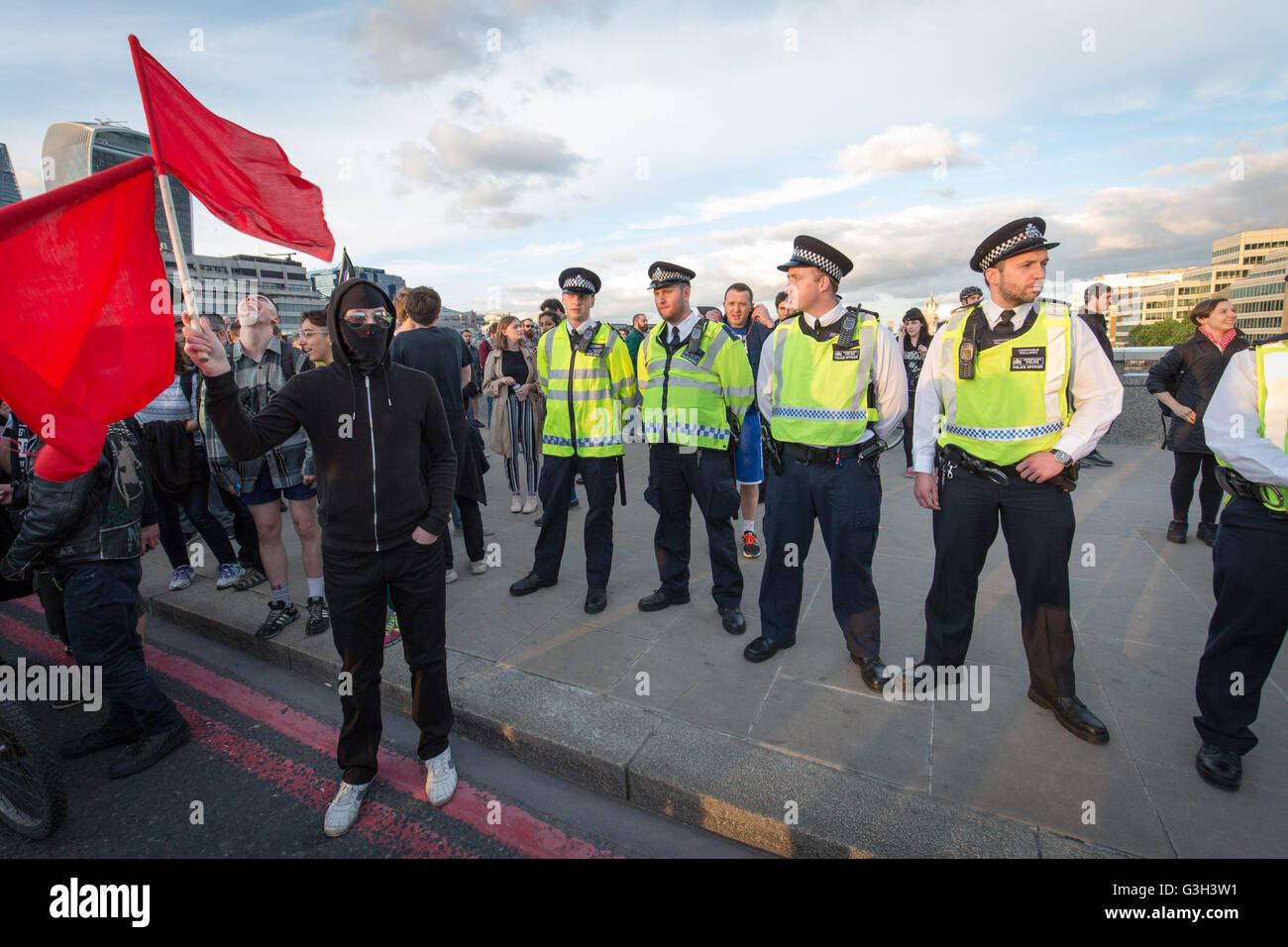 London, UK. 24th June, 2016. Defend All Migrants. A post EU referendum protest led by over five hundred pro-refugee - Stock Image