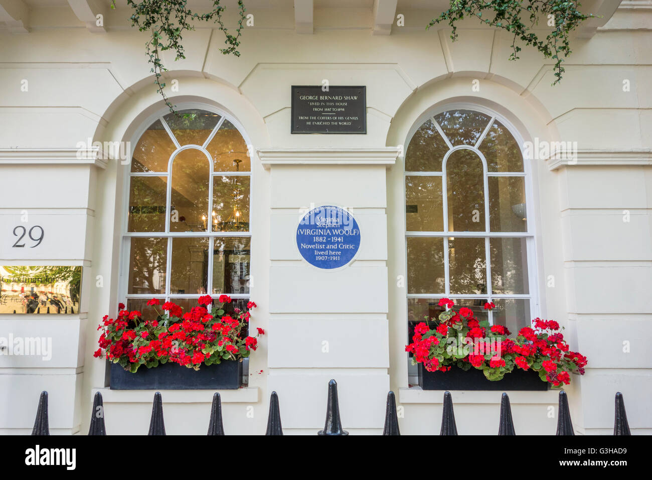 Blue Plaque, Virginia Stephen (Virginia Woolf) & Plaque for George Bernard Shaw, London, UK - Stock Image