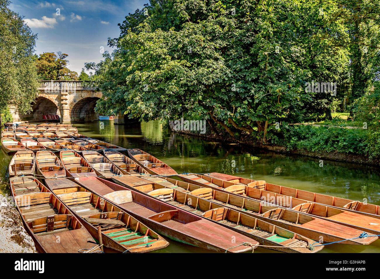 Punts At Magdalen Bridge Oxford UK - Stock Image