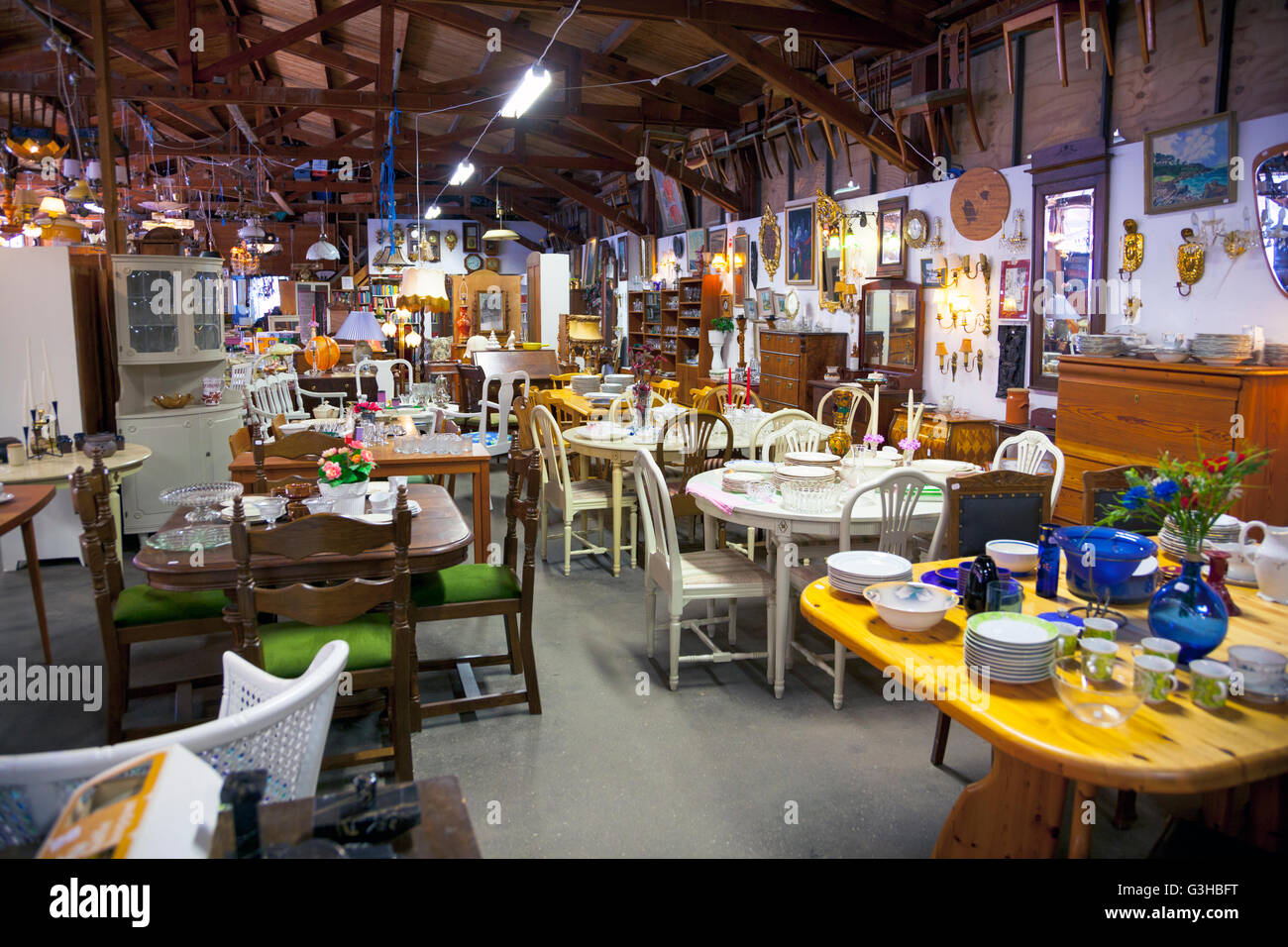 Second Hand Furniture Shops High Resolution Stock Photography And Images Alamy