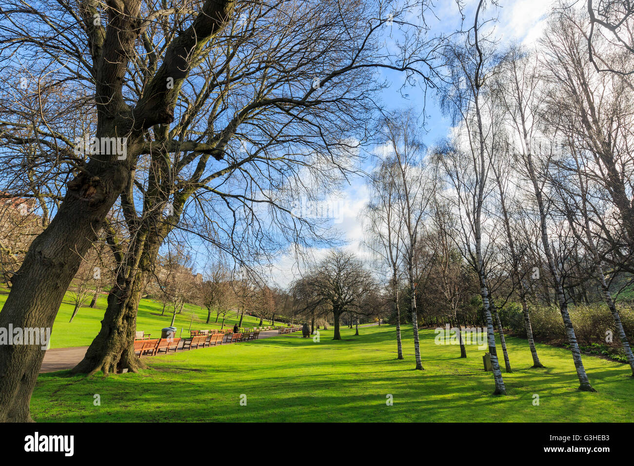The Princes Street Gardens besides Edinburgh Castle - Stock Image