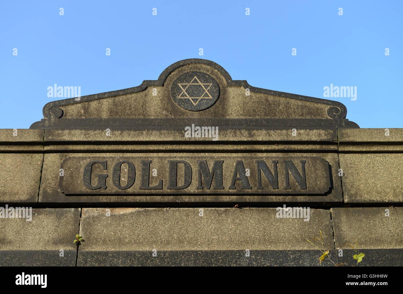 Familiengrab, Goldmann, Juedischer Friedhof, Herbert-Baum-Strasse, Weissensee, Berlin, Deutschland - Stock Image