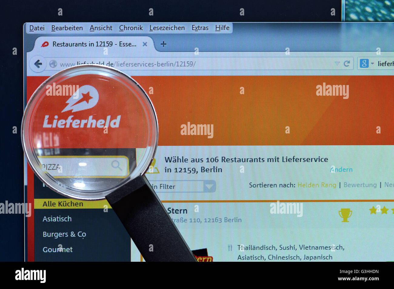 Bildschirm, Internet, Lupe, Lieferservice, lieferheld.de - Stock Image