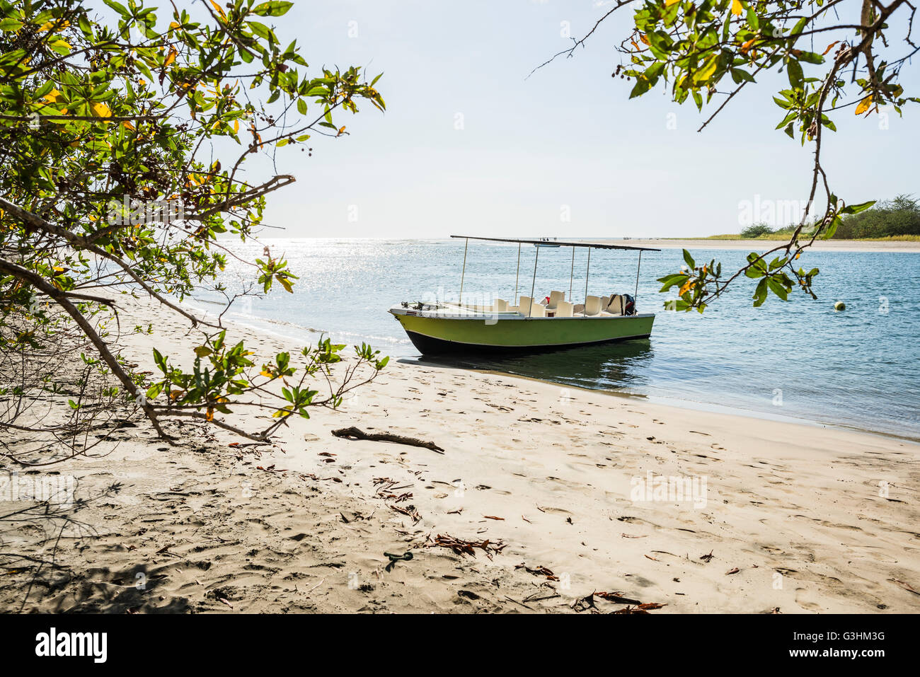 Tourboat anchored at Tamarindo beach,  Guanacaste, Costa Rica - Stock Image