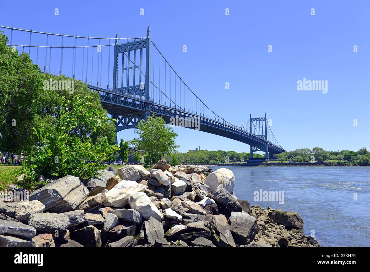 The Triborough Bridge spanning over Randall's Island, New York City - Stock Image