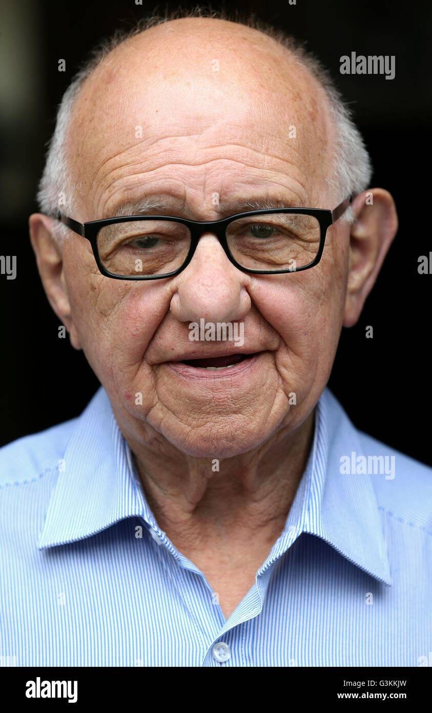Previously unissued photo dated 25/5/2016 of Holocaust survivor Zigi Shipper at his home in Bushey, Hertfordshire. - Stock Image