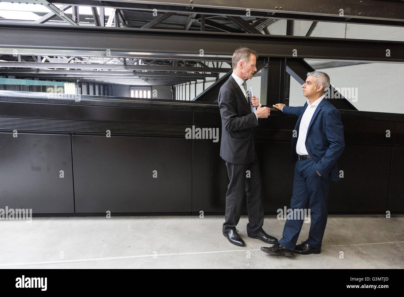 London, UK. 14 June 2016. Sir Nicholas Serota, director of the Tate art museums and galleries, gives Sadiq Khan, - Stock Image