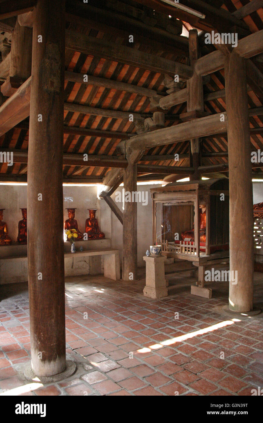 Interior of one of the pavilions of the But Thap pagoda in North Vietnam. Stock Photo