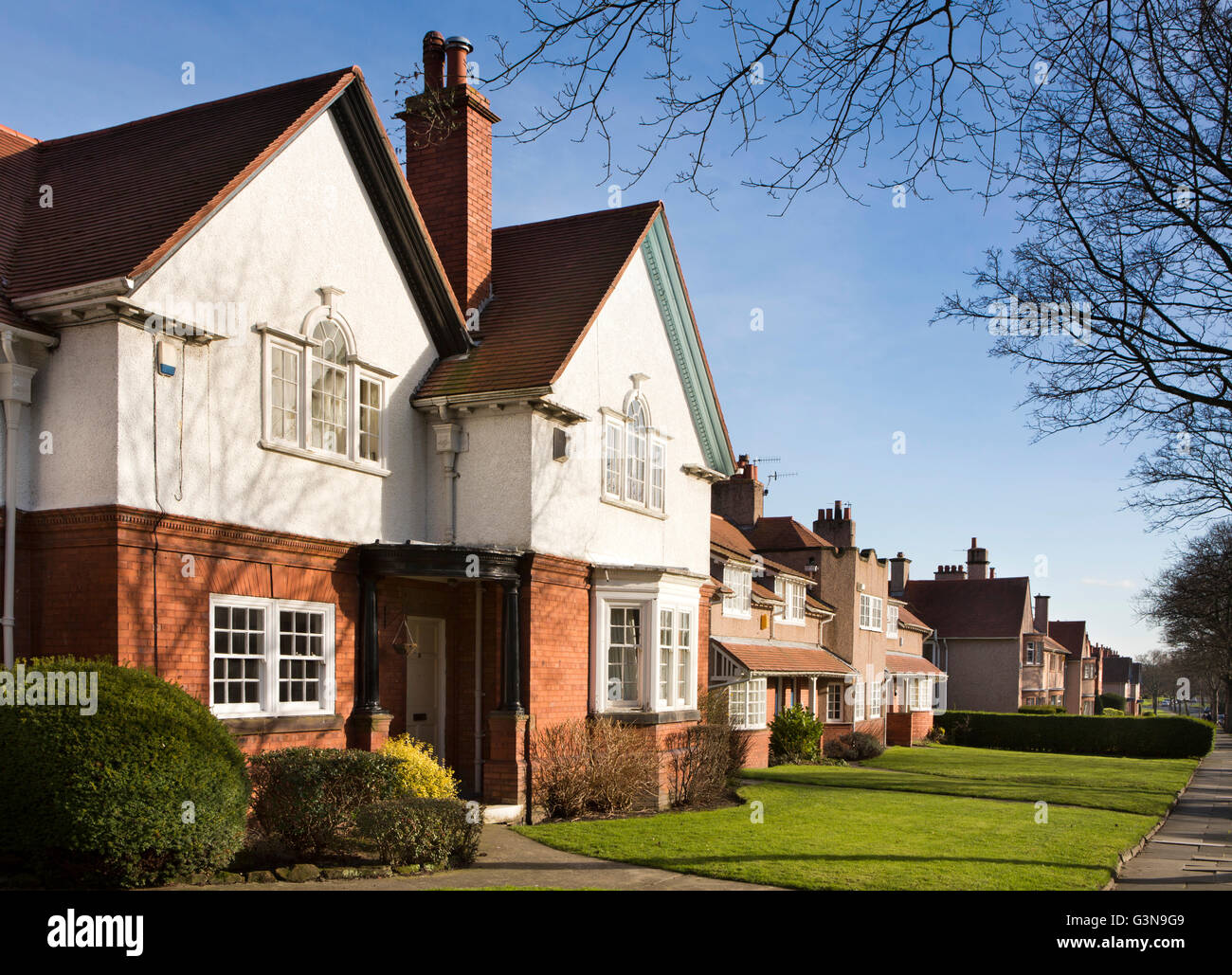 Uk England Wirrall Port Sunlight Pool Bank Arts And Crafts Style Stock Photo Alamy