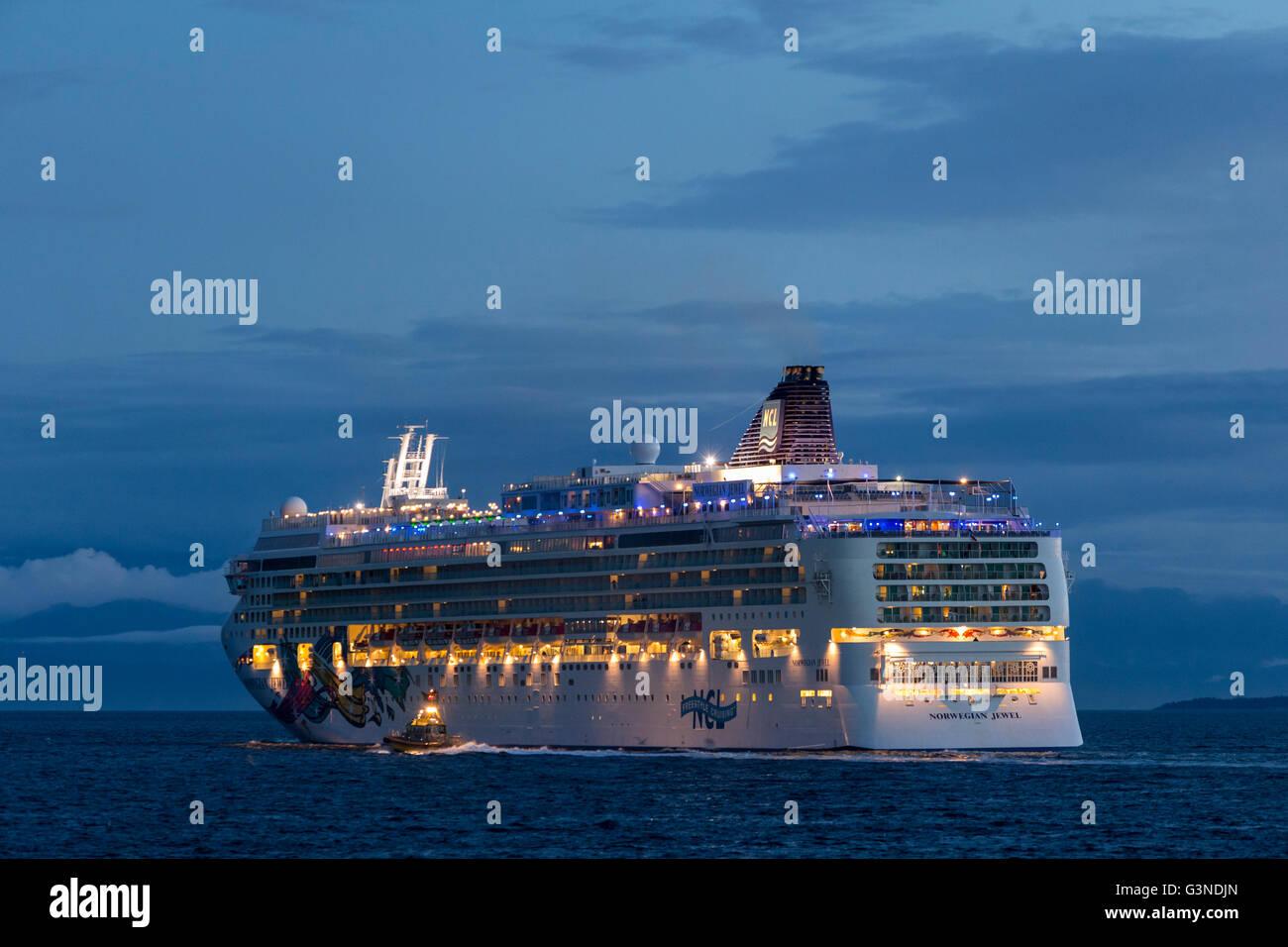 Cruise ship Norwegian Jewel leaving port of Victoria on Salish Sea-Victoria, British Columbia, Canada. - Stock Image