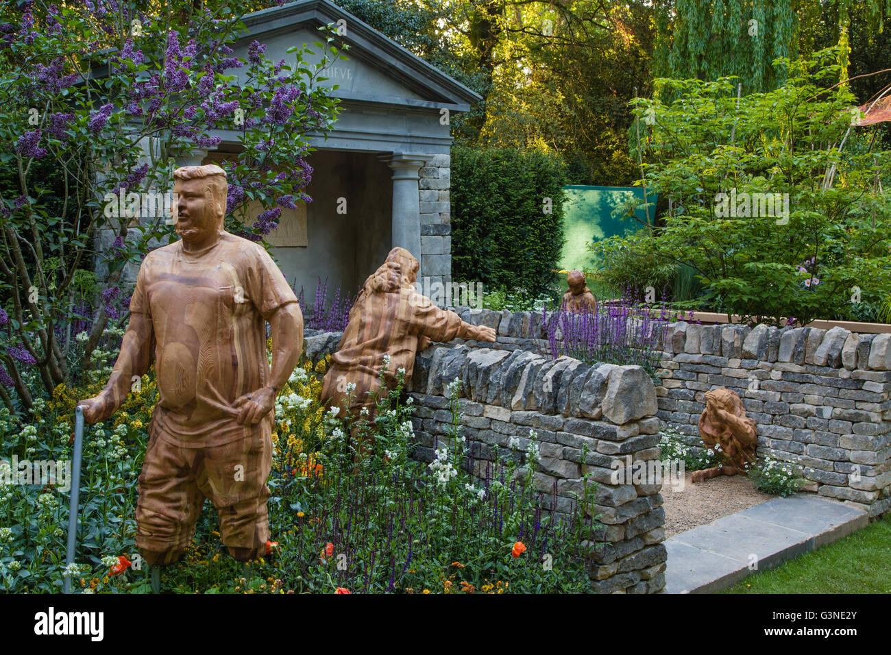 RHS Chelsea 2016 - Meningitis Now Futures garden - John Everiss, designer - Stock Image