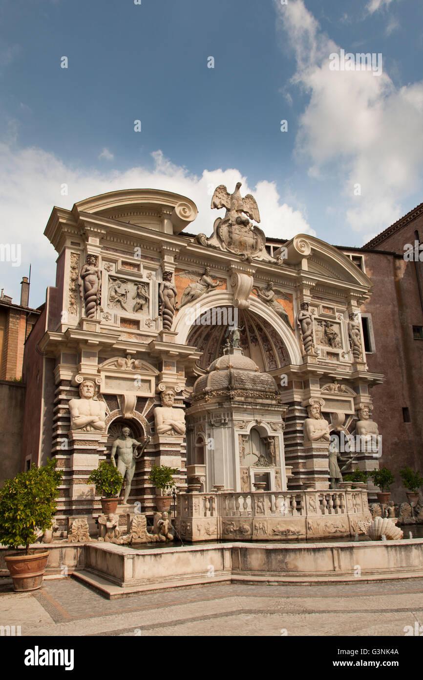 Fountain of the Organ at Villa d\'Este gardens, Tivoli, Lazio, Italy ...