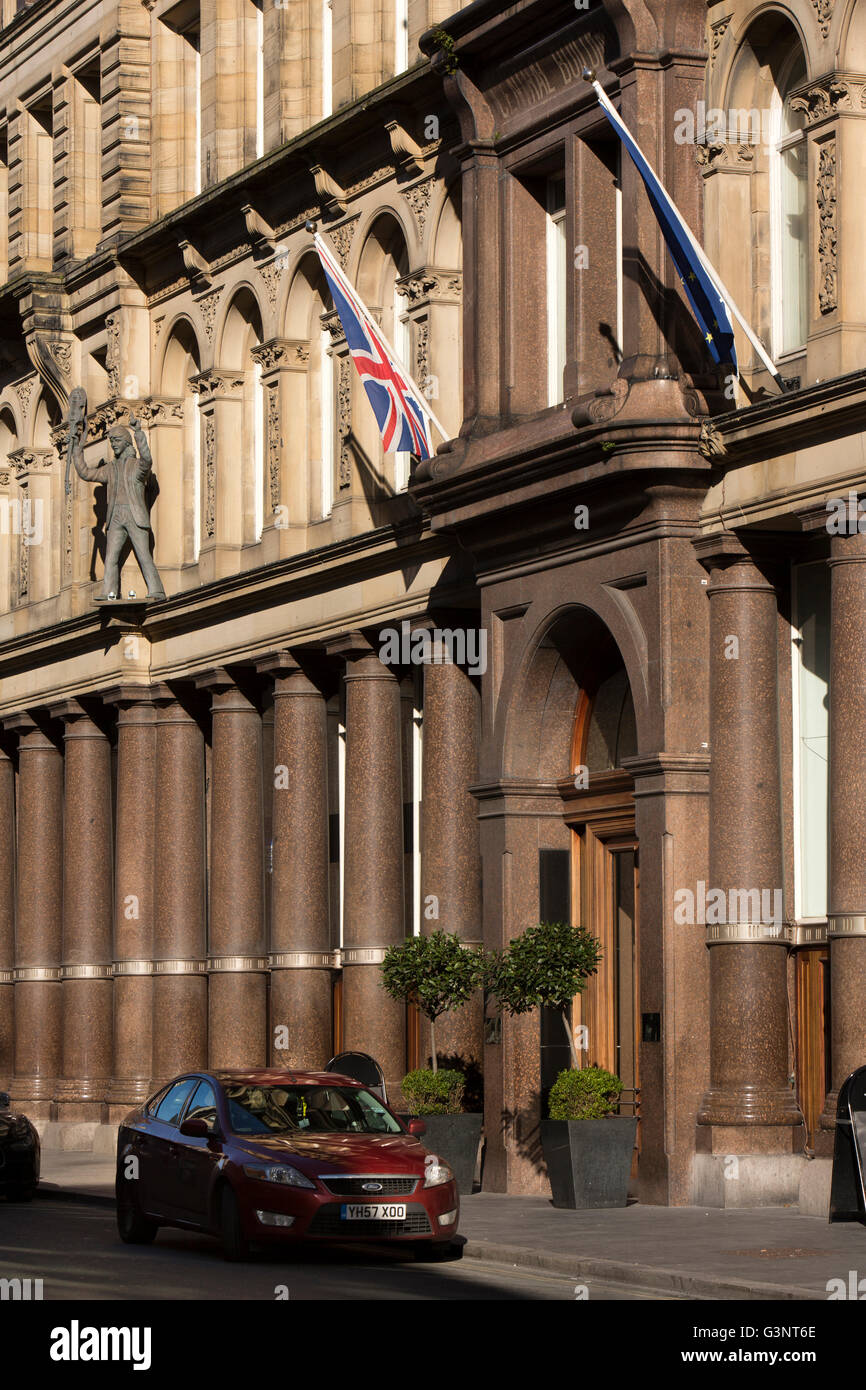 Merseyside, Liverpool, North John Sreet, Central Building, Hard Day's Night Hotel with Beatles statues - Stock Image