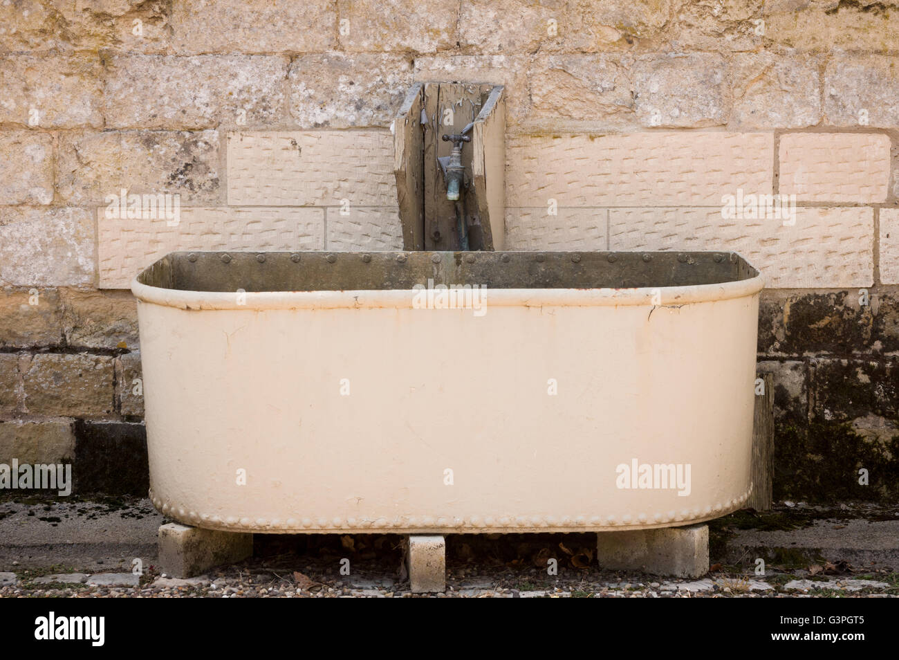 Antique Horse Trough High Resolution Stock Photography And Images Alamy