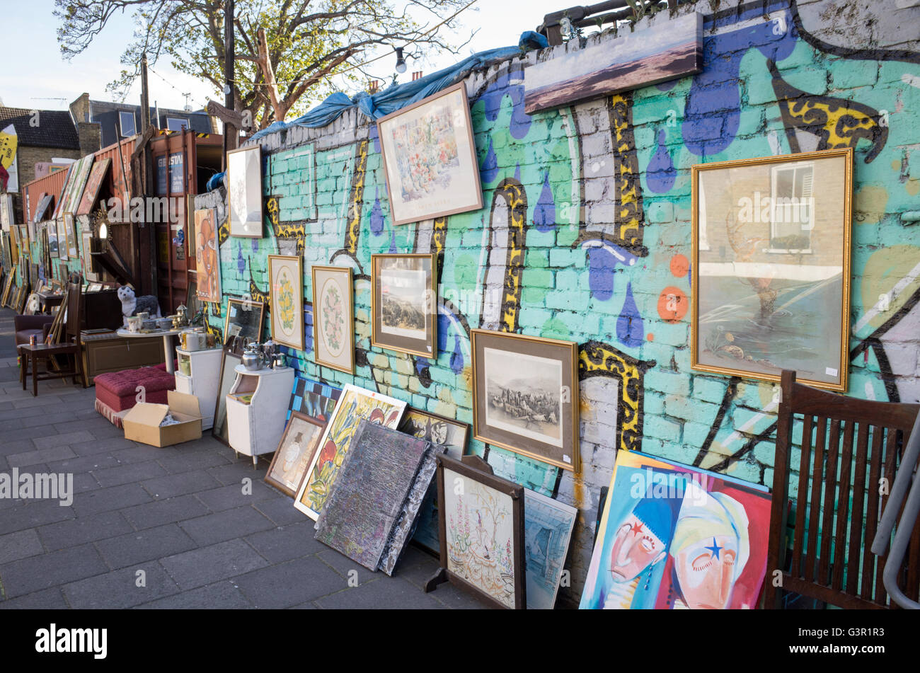 Secondhand furniture for sale in Marton Road off Stoke Newington Church Street, London, England, UK Stock Photo