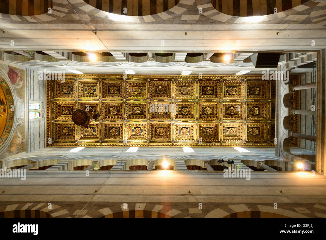 Italy tuscany pisa cathedral ceiling stock photos italy for Coffered cathedral ceiling