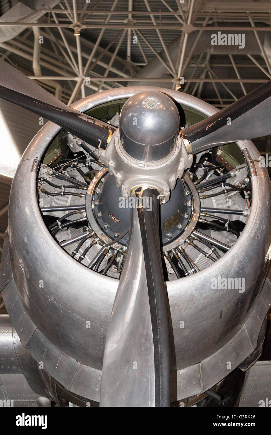 Propeller engine from a Douglas DC-3 at the Canadian Aviation and Space Museum in Ottawa, Ontario, Canada - Stock Image