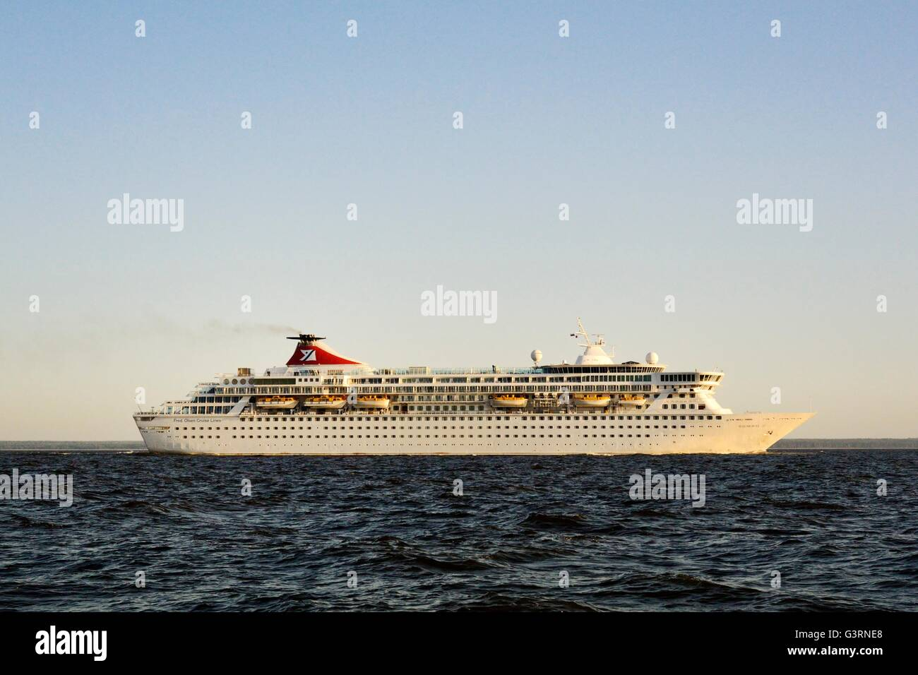 Russia. Fred Olsen ocean cruise ship Balmoral outbound from Saint Petersburg in the Gulf of Finland. Summer - Stock Image