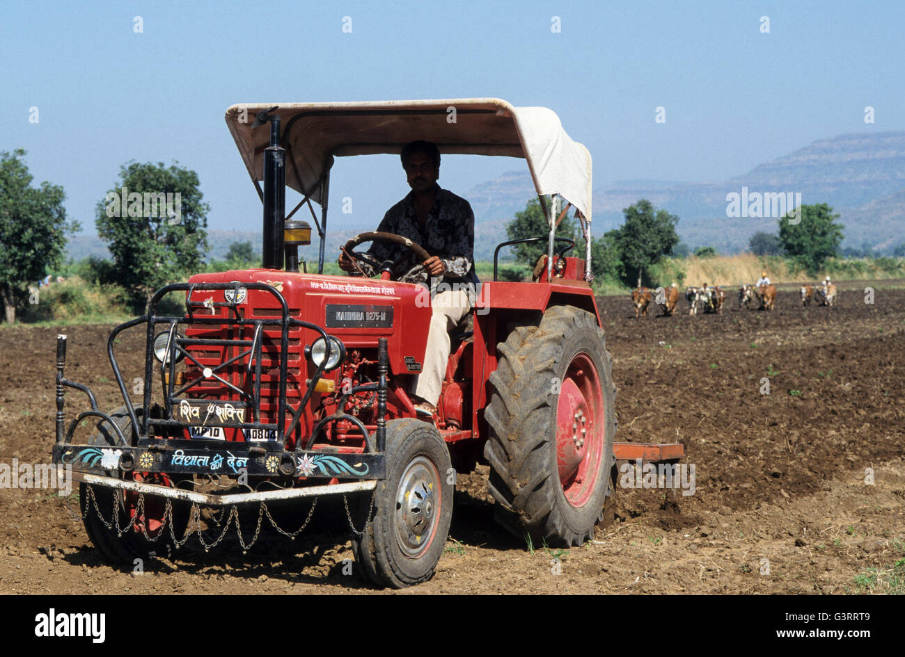 Mahindra Tractor Stock Photos & Mahindra Tractor Stock