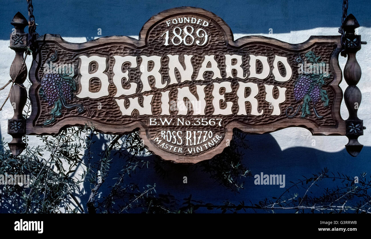 This hand-carved sign welcomes wine lovers to the Bernardo Winery that was established in 1889 at what is now the - Stock Image