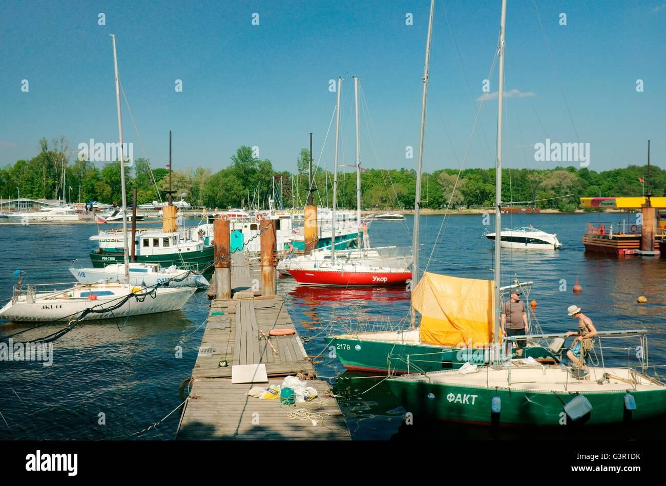 Petrovsky tsekhgauz, yacht club on the river Voronezh 54