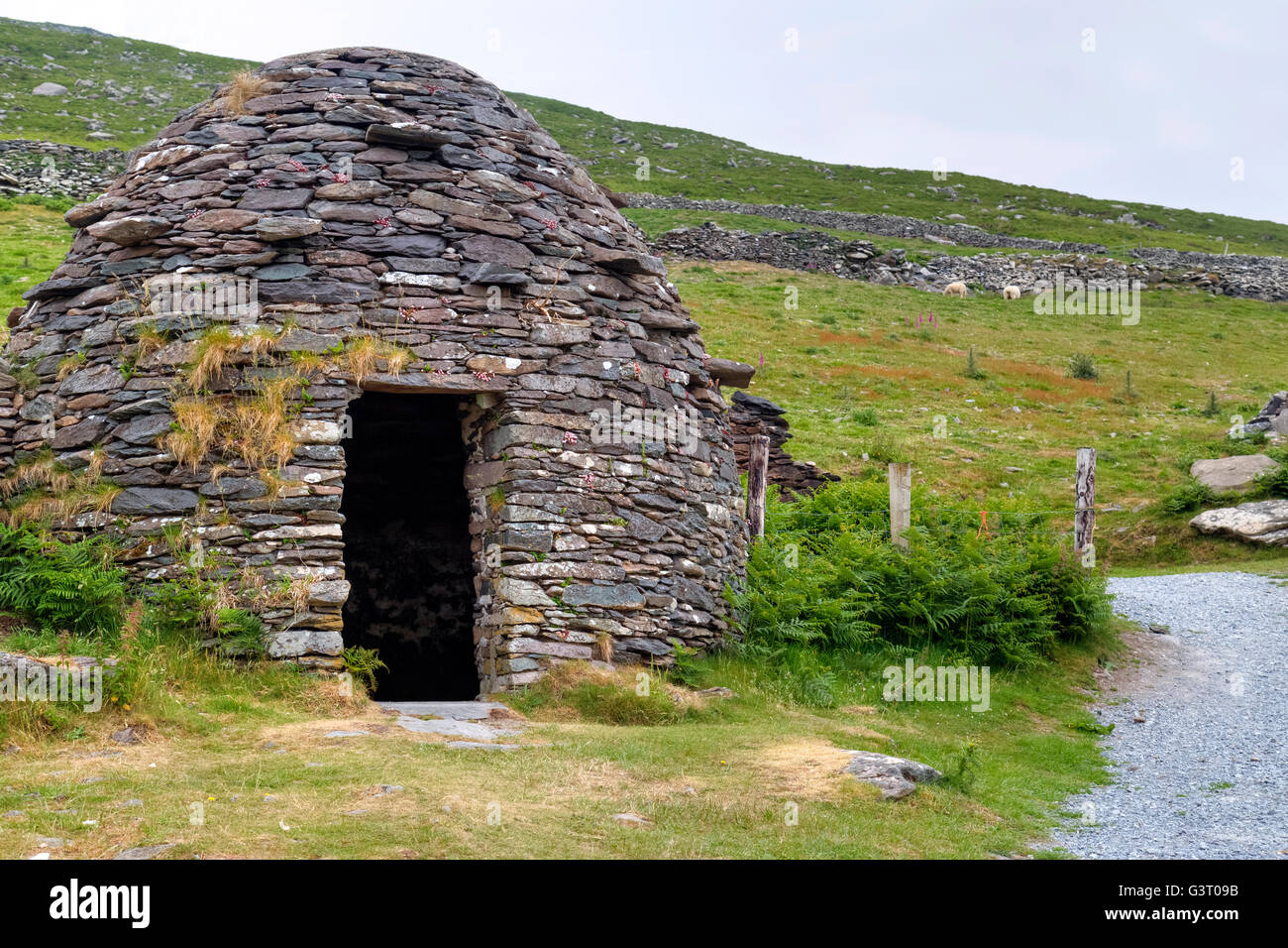 Beehive Huts, Fahan, Dingle Peninsula, Kerry, Ireland - Stock Image