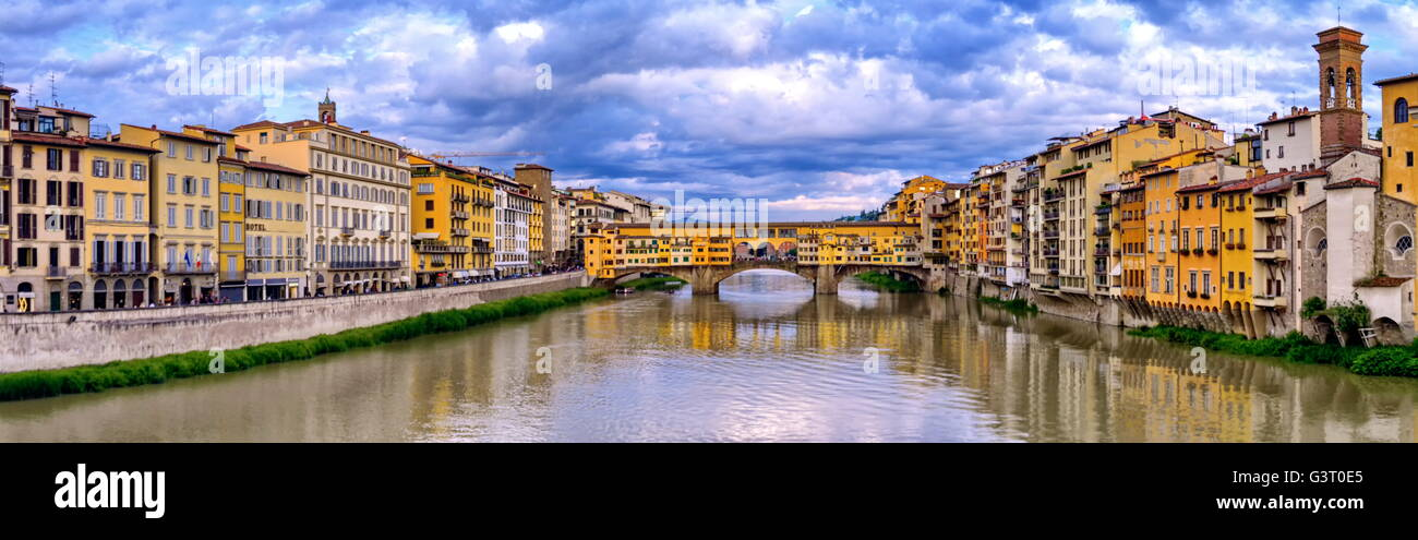 Ponte vecchio by cloudy, Florence or Firenze, Italia - Stock Image