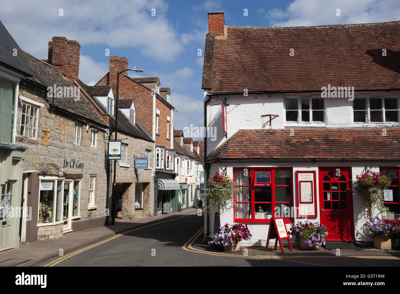 Mrs Brown's Tea Room and view along Sheep Street, Shipston-on-Stour, Warwickshire, England, United Kingdom, - Stock Image