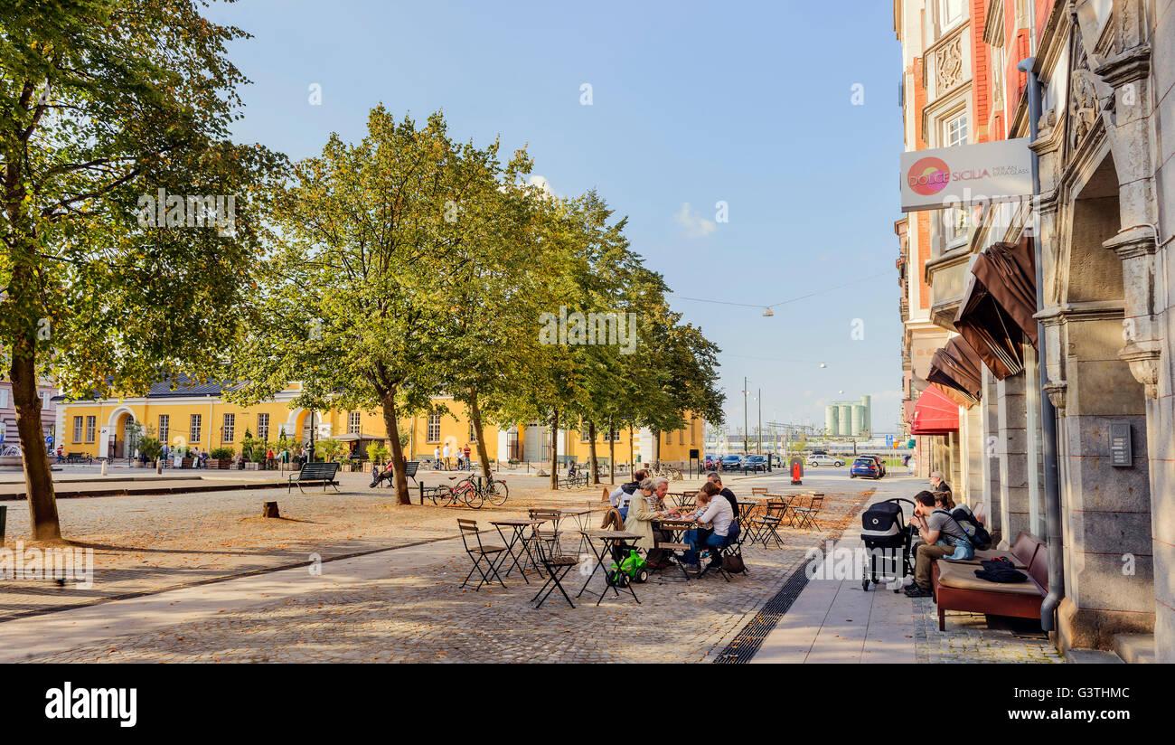 Sweden, Skane, Malmo, Drottningtorget, View of sidewalk cafe - Stock Image
