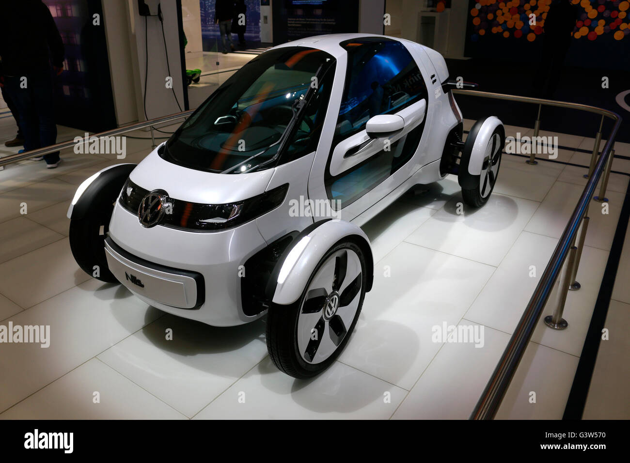 """die Studie fuer ein VW/ Volkswagen Auto/ """"Concept Car"""", Berlin. Stock Photo"""