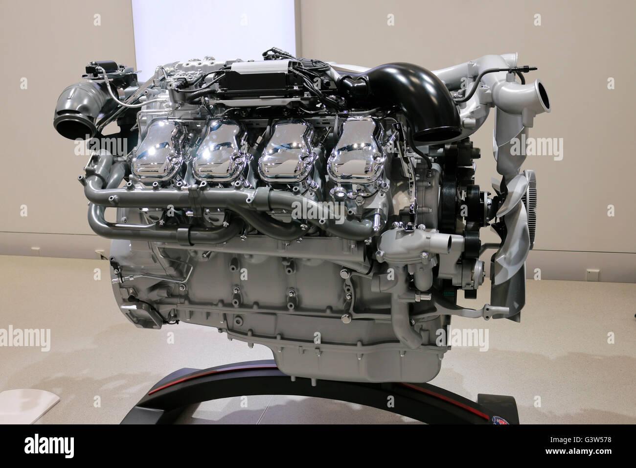 ein VW/ Volkswagen Hybrid-Motor, Berlin. - Stock Image