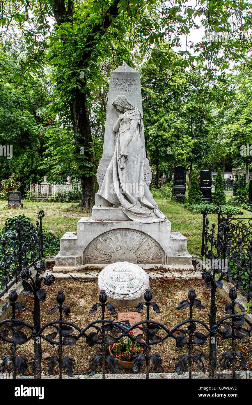 Cemeteries at the Halleschen Tor, tombs, partly from the 18th century, historical tombs, district of Kreuzberg, Berlin, Germany Stock Photo