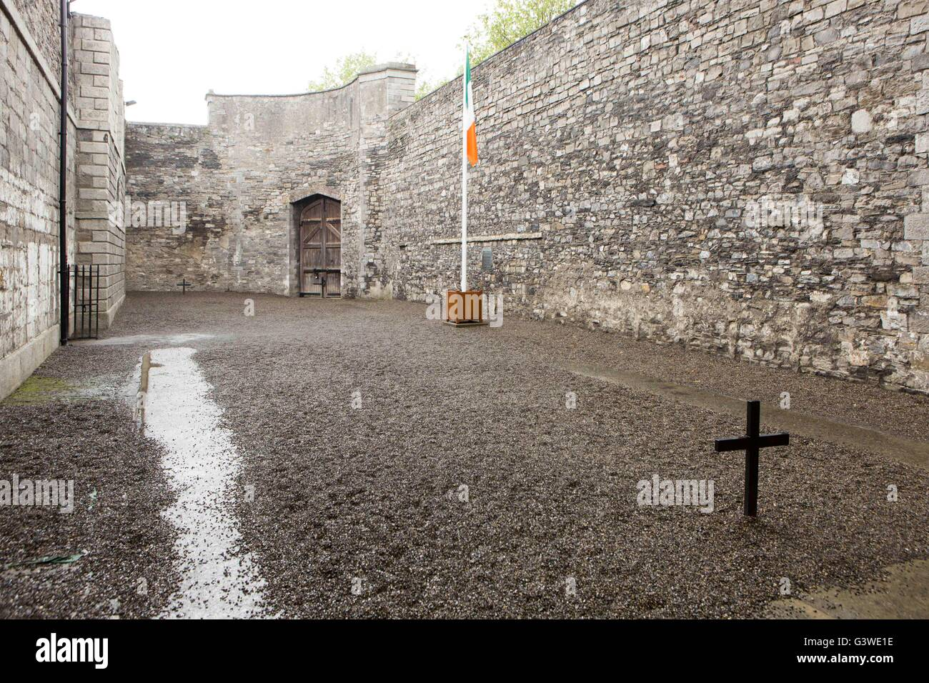 Kilmainham Gaol , Kilmainham, Dublin, Ireland. Courtyard where members of the Easter rising were executed by firing Stock Photo