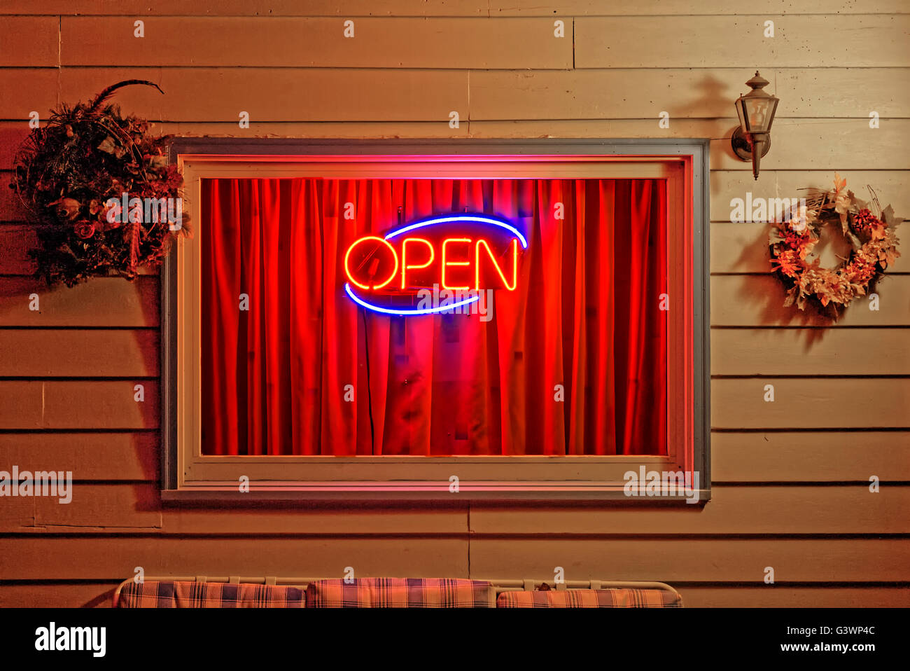 Open motel late at night. - Stock Image