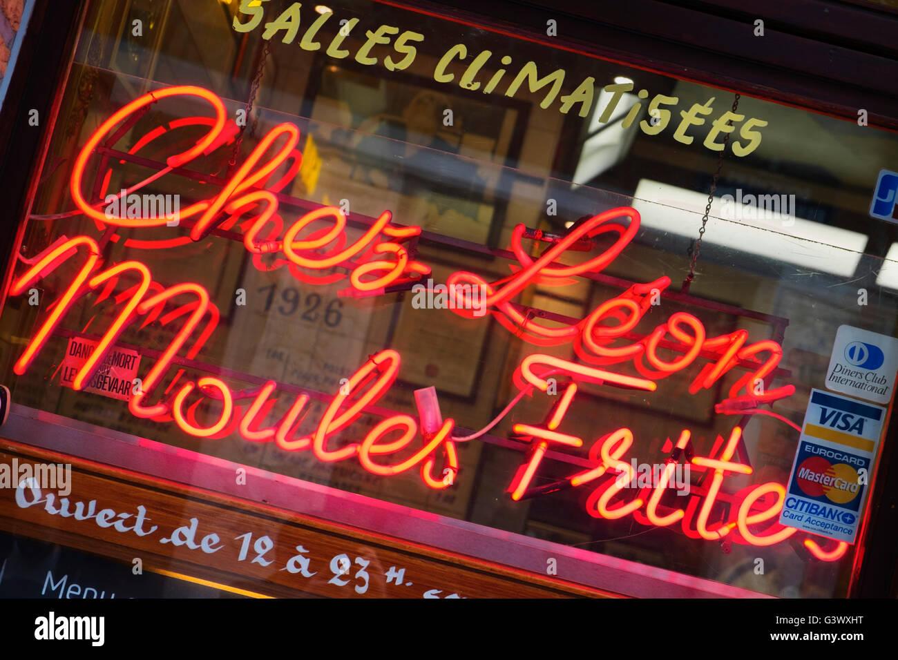 Chez Léon restaurant Rue des Bouchers Îlot Sacré Brussels Belgium - Stock Image