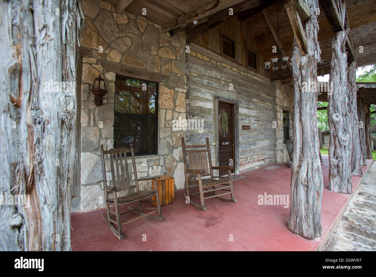 Texas log cabin on ranch - Stock Image