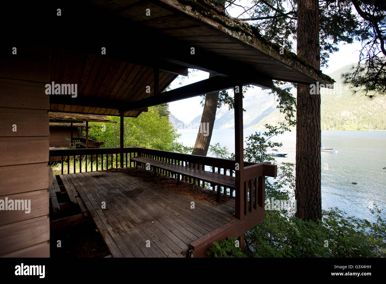 Abandoned cabin, D'Arcy, near Anderson Lake, British Columbia, Canada - Stock Image