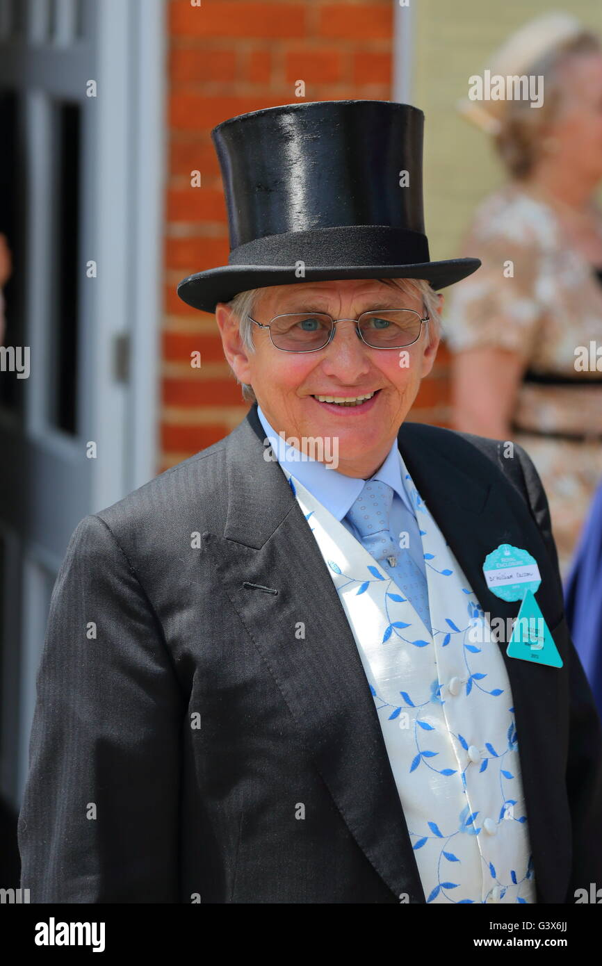 Former Jockey Willie Carson arrives for the 2013 Races at Ascot, Berkshire, UK - Stock Image