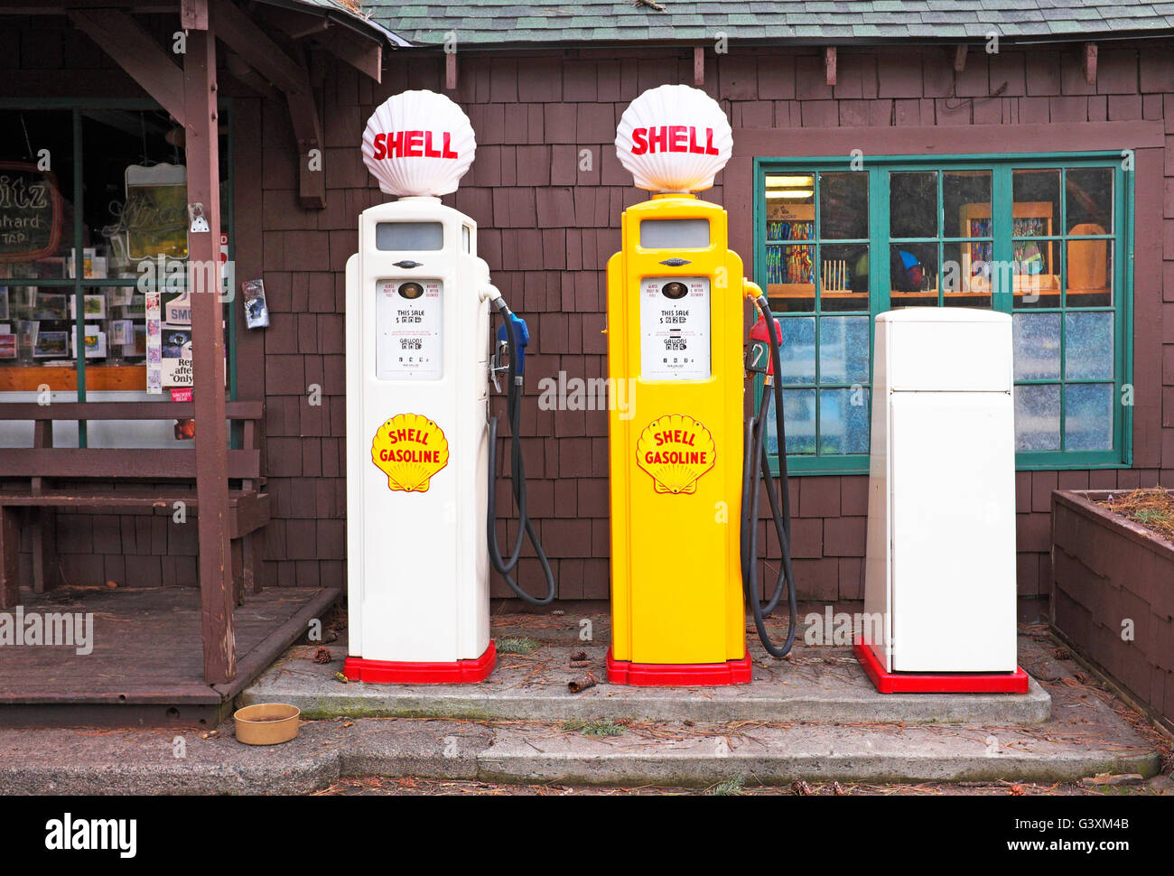 Old time Shell gasoline pumps, Camp Sherman, Oregon - Stock Image