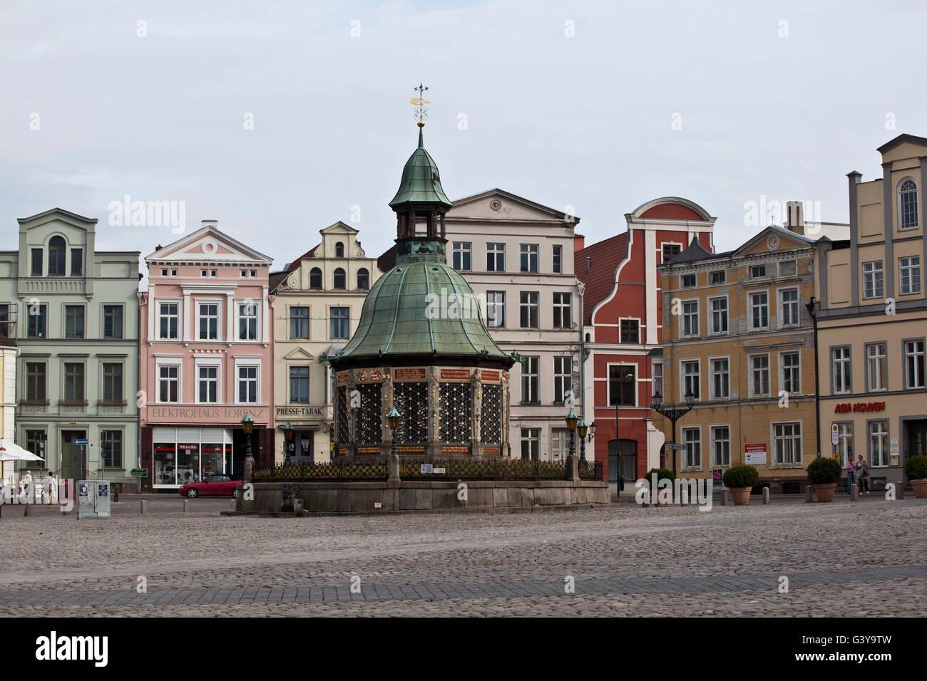 Water art in the market square, Wismar, Mecklenburg-Western Pomerania - Stock Image