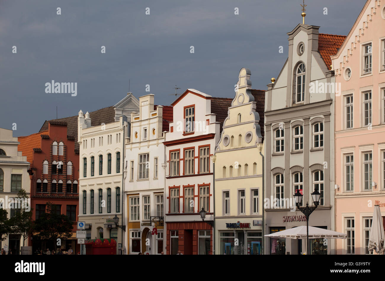 Row of houses in the market square, Wismar, Mecklenburg-Western Pomerania - Stock Image