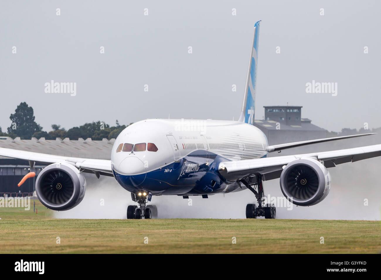 Boeing 787 9 dreamliner stock photos boeing 787 9 dreamliner stock boeing 787 9 dreamliner commercial airline aircraft n789ex displaying at the farnborough international publicscrutiny Images