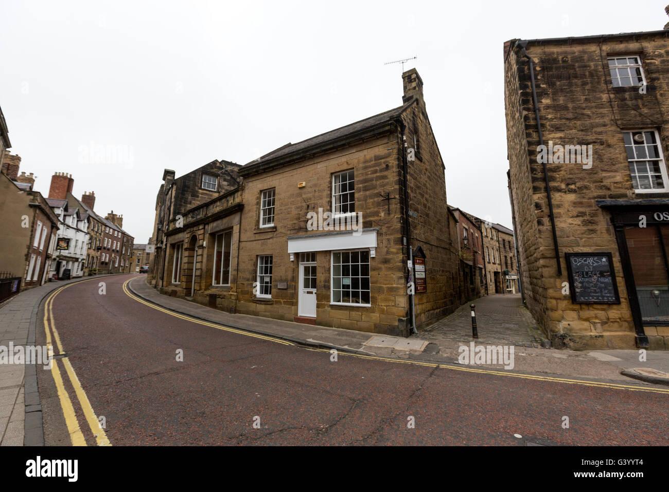 Alnwick street, Northumberland, England, UK - Stock Image