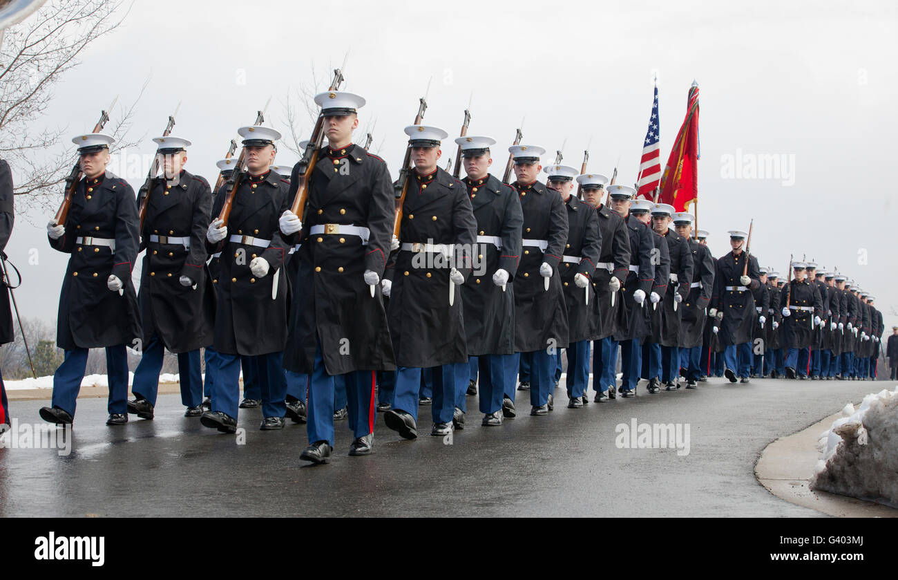 U.S. Marines participate in a funeral service at Arlington National Cemetery. - Stock Image