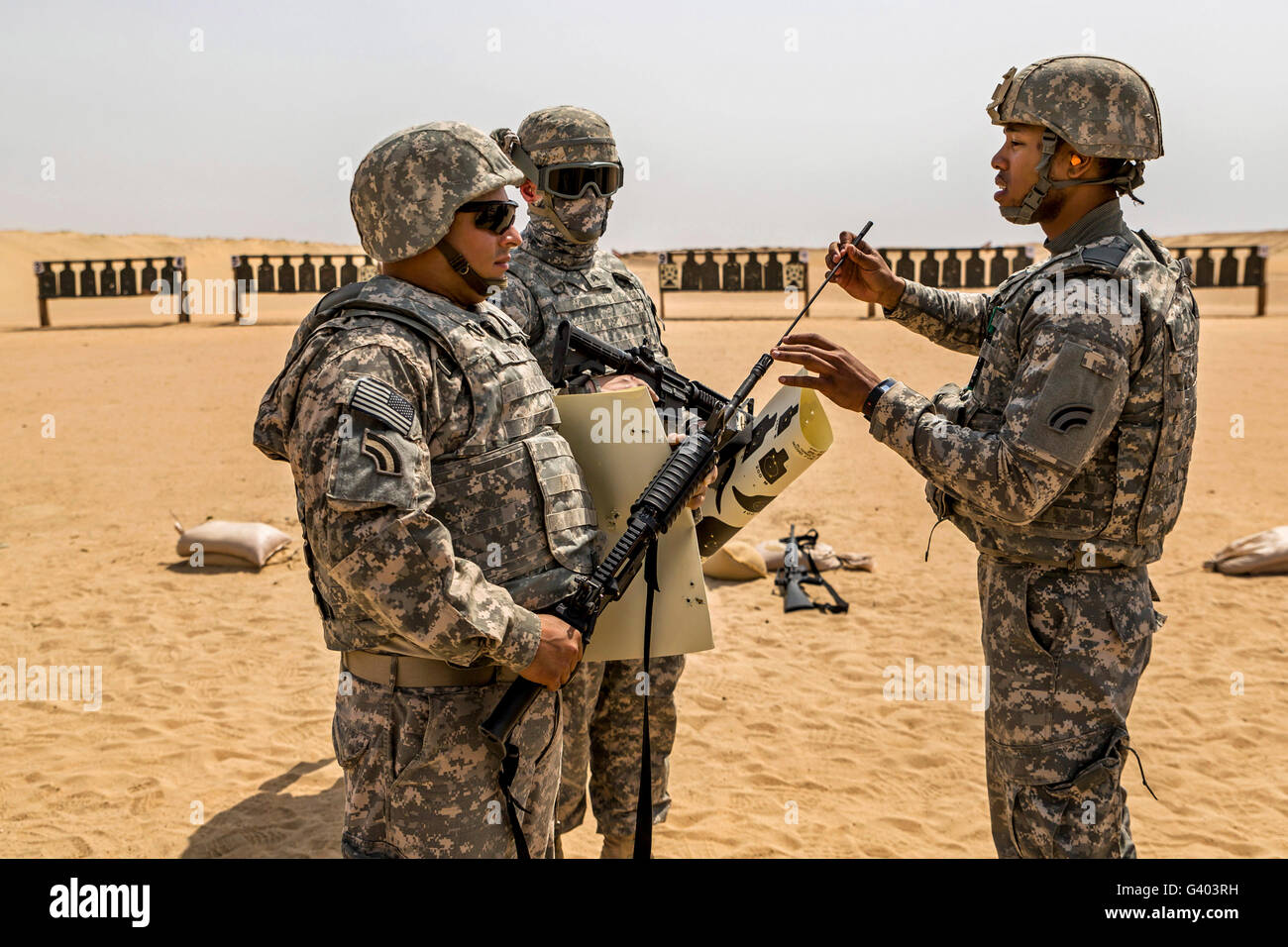 U.S. Army National Guardsmen at a firing range for weapons qualification. - Stock Image